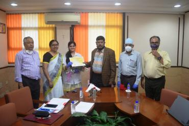 Felicitation of our BASLP GOLD MEDALIST Ms. Kushali Shah of our Institute By the Hon. Minister