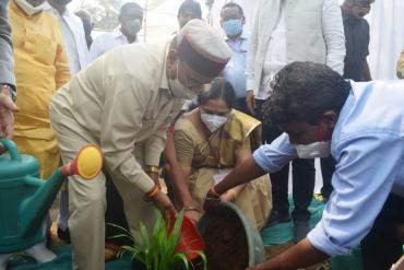 Tree plantation by Dr.Thaawar Chand Gehlot, Hon. Union Minister for Social Justice and Empowerment